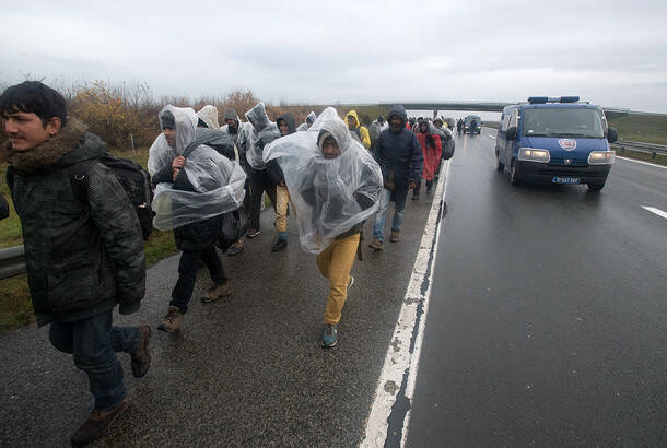 Srdjan Ilic: Migrant's walk to the border