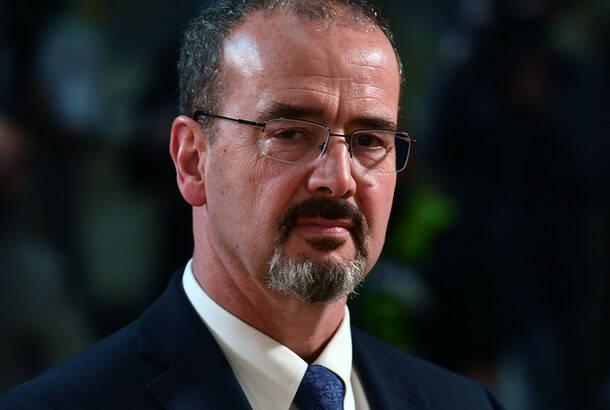 Godfri: Nova administracija SAD nastavlja unapređivanje odnosa sa Srbijom; Selaković: Zasad teško govoriti o eventualnoj promeni kursa