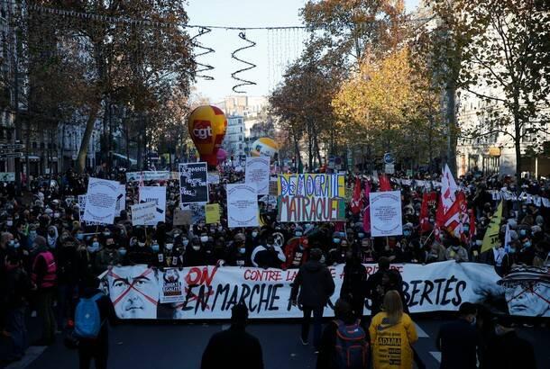 Protesti širom Francuske zbog ugrožavanja slobode informisanja i prava medija