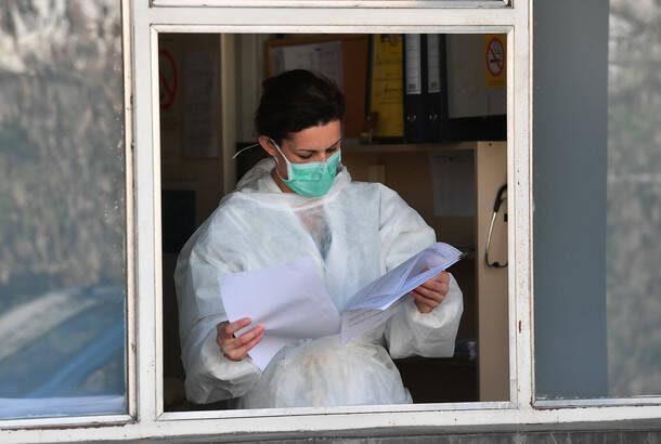 Kovid19: U Srbiji u poslednja 24 časa 1.317 novozaraženih, preminulo 20 obolelih