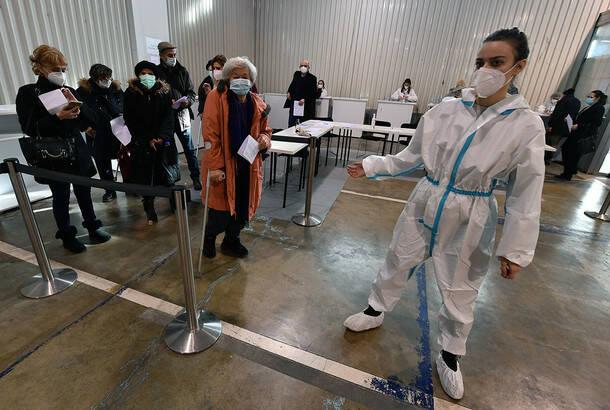 U Srbiji u poslednja 24 sata koronavirusom zaražene 1.483 osobe, preminulo 19 obolelih