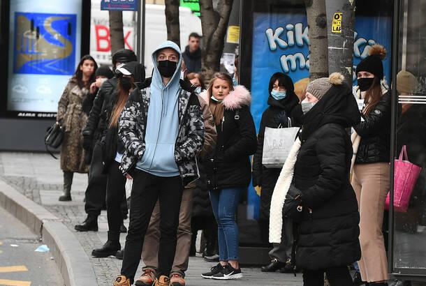 Od koronavirusa u poslednja 24 sata u Srbiji preminulo još 15 osoba, virus utvrđen kod četvrtine testiranih
