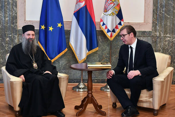 Predsednik Vučić s patrijarhom Porfirijem: Država će pomoći obnovu hramova SPC