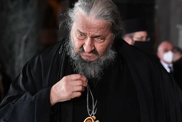 Preminuo umirovljeni vladika Atanasije