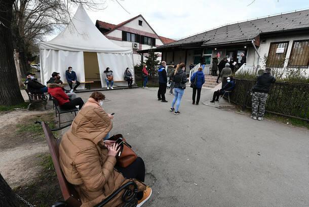 U Srbiji u poslednja 24 sata preminulo još 20 pacijenata, koronavirusom zaražene još 3.042 osobe