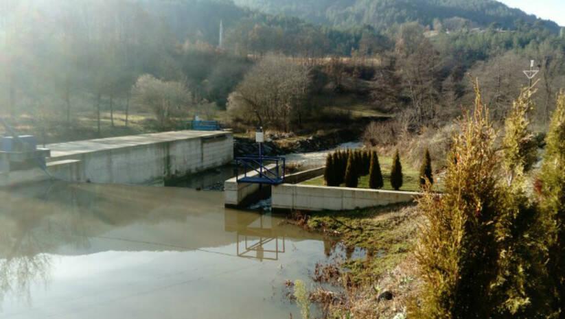 Meštani naselja Radmanovo blokirali put Brus-Brzeće zbog izgradnje MHE Kresaja