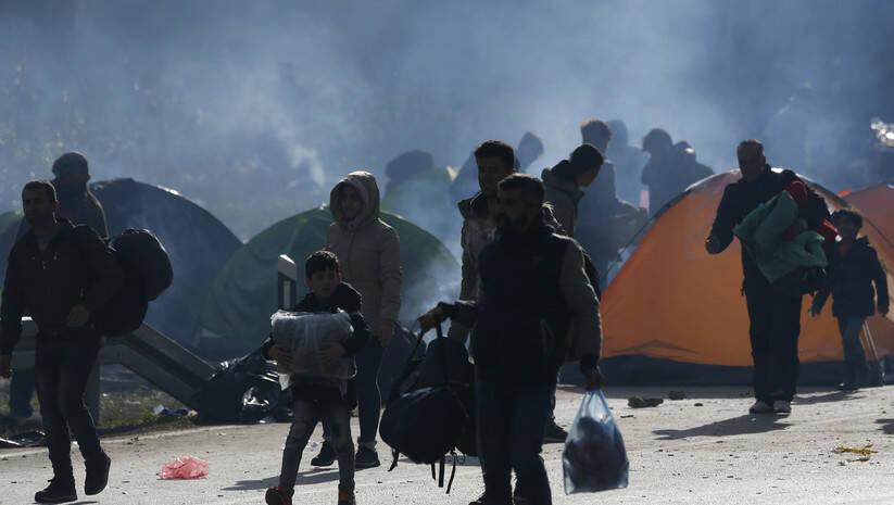 Migranti u Blizini granice BiH i Hrvatske Foto: AP Photo/Amel Emric