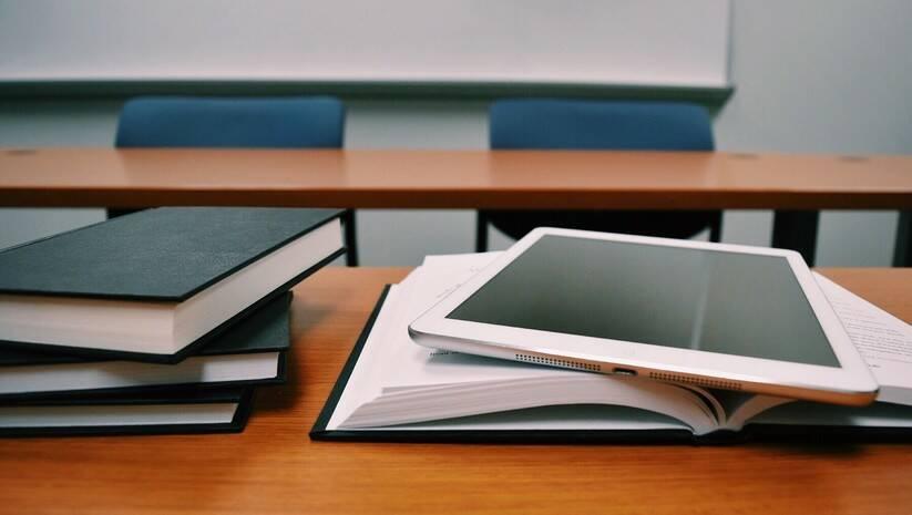 pixabay: Mala matura, škola, ilustracija