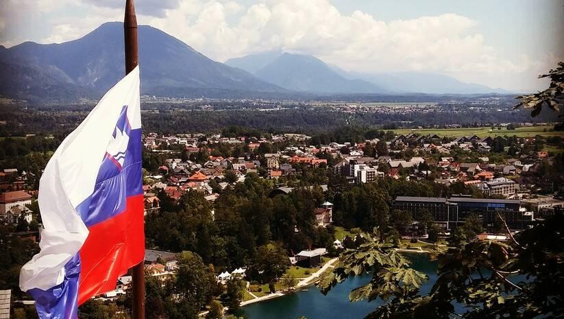 https://pixabay.com/: Zastava Slovenije