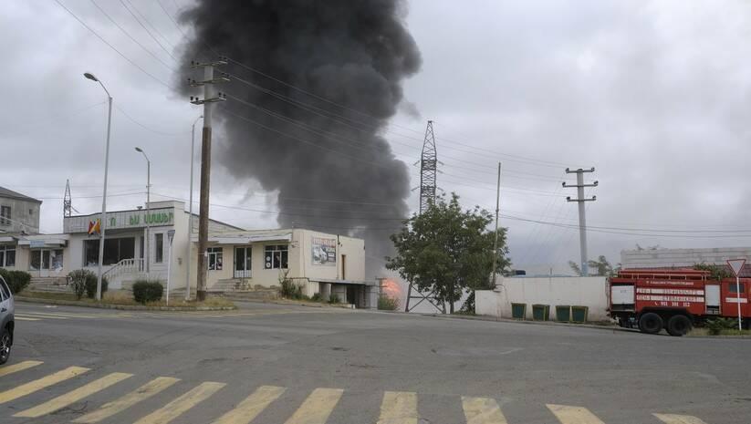 Požar nakon granatiranja azerbejdžanske artiljerije tokom vojnog sukoba u Nagorno-Karabahu Foto:Aram Kirakosyan/PAN Photo via AP