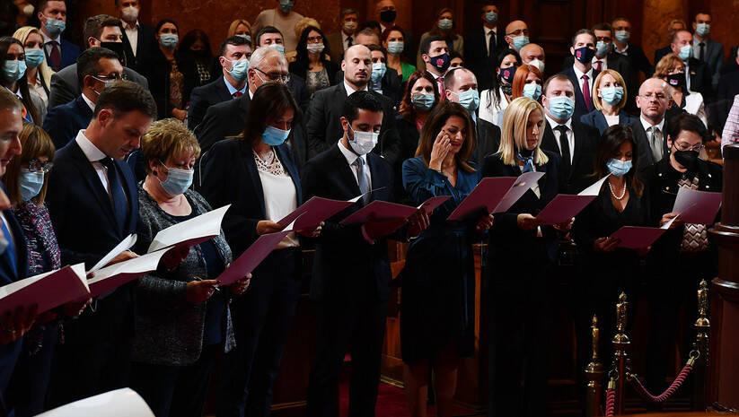 Novi ministri u Vladi Srbije polažu zakletvu Foto: Srđan Ilić