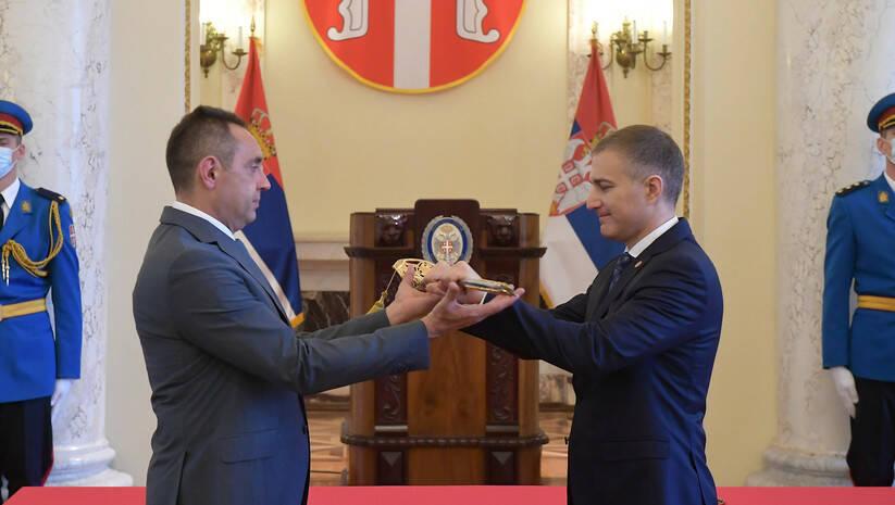 Primopredaja dužnosti Aleksandra Vulina i Nebojše Stefanovića Foto: Ministarstvo odbrane