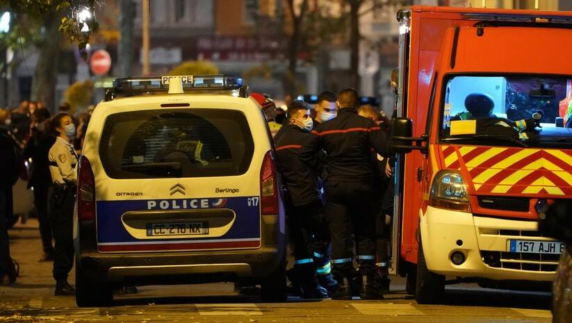 Policija blokira prilaz mestu napada na sveštenika u Lionu / Foto: AP Photo/Laurent Cipriani