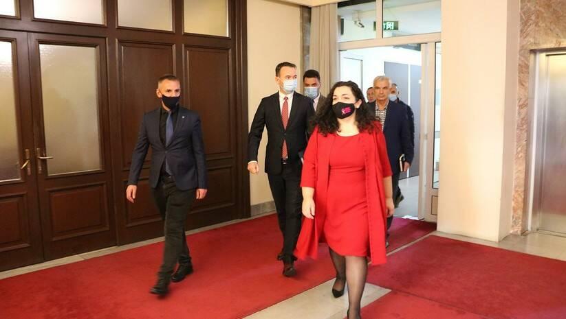 Vjosa Osmani prilikom dolaska u Predsedništvo Kosova Foto: https://president-ksgov.net/