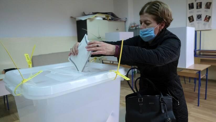 Glasanje na lokalnim izborima u Sarajevu Foto: AP Photo/Kemal Softic/Betaphoto