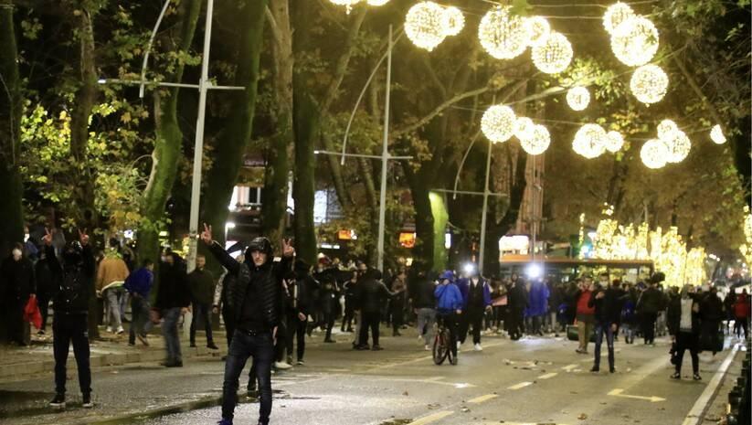 Protest u Tirano zbog ubistva mladića; Foto: AP /Hektor Pustina