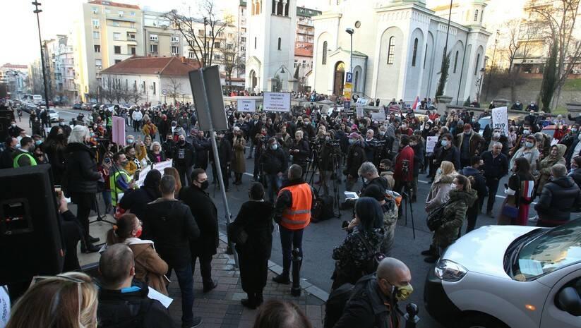 Protest malih privrednika i preduzetnika ispred ministarstava finansija i privrede, Beograd, 23.decembar 2020, Foto: BETAPHOTO/MILAN OBRADOVIC/DS