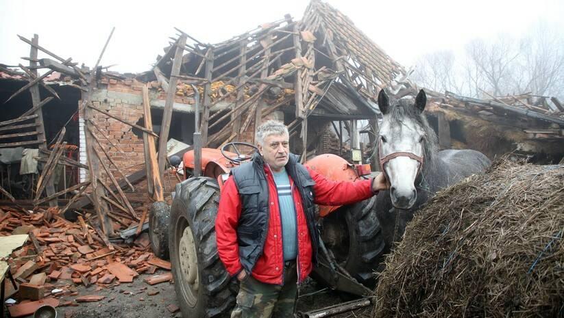 Naselje Majske Poljane kod Gline teško je stradalo u razornom zemljotresu koji je juče pogodio središnju Hrvatsku Foto: BETAPHOTO/HINA/Damir SENCAR