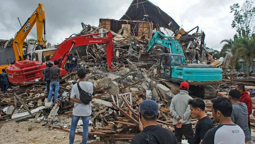 Zemljotres u Indoneziji, 15. januar 2021, Foto: AP Photo/Azhari Surahman