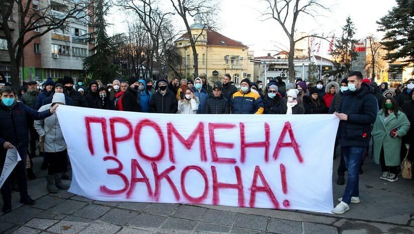 Protest u NIšu protiv bahatih vozača Foto: Betaphoto/Saša Đorđević