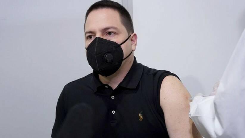 Branko Ružić prima vakcinu protiv koronavirusa, 20. januar 2021. godine, Foto: Vlada Srbije
