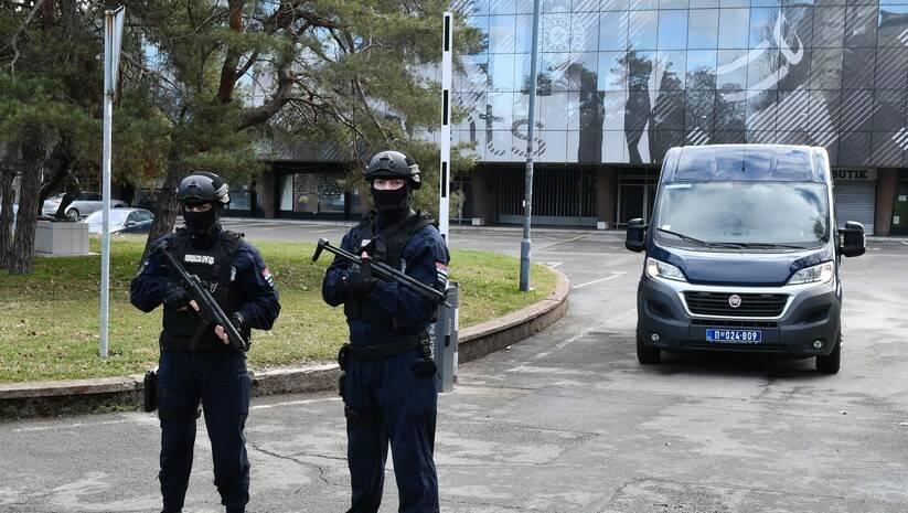 Pretres i hapšenja na stadionu Parizana, 4.2.2021.Blokiran i stadion Zvezde / Foto: Srđan Ilić