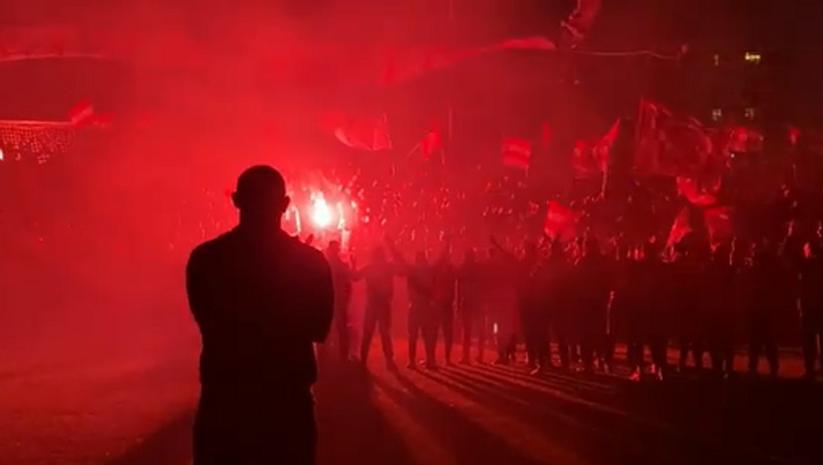 prtscrn/crvenazvezdafk: Bakljada na pomoćnom terenu stadiona Crvena Zvezda