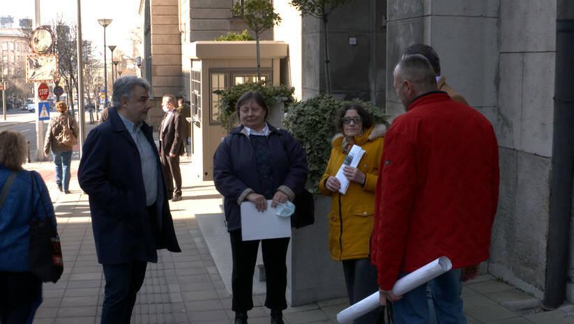 Predavanje peticije protiv izgradnje rudnika kompanije Rio Tinto, Foto: Insajder