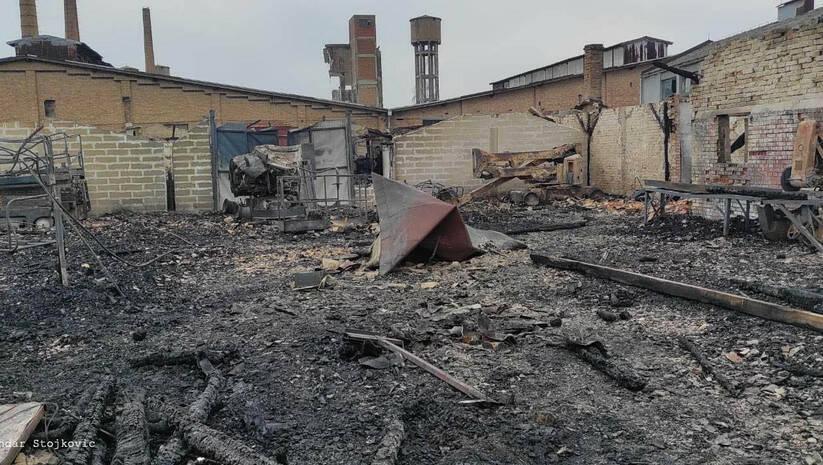 Ugašen požar u bivšij fabrici stakla u Pančevu, Foto: 013info.rs/Aleksandar Stojković