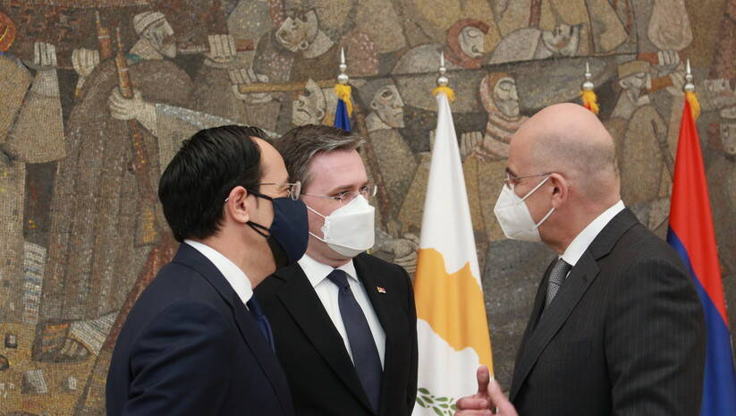 Nikos Hristodulidis,  Nikos Dendijas i Nikola Selaković tokom susreta u Beogradu Foto: Ministarstvo spoljnih poslova