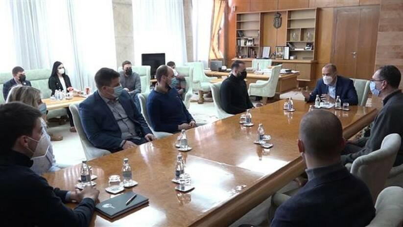 Sastanak ministra zdravlja Zlatibora Lončara sa studentima, Foto: Vlada Srbije