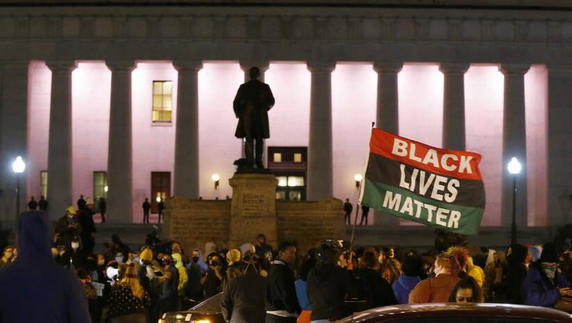 Okupljanje u Kolumbusu nakon ubistva tinejdžerke afroameričkog porekla Foto: AP Photo/Jay LaPrete/Betaphoto