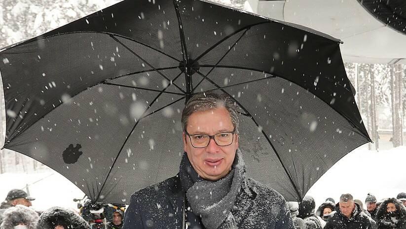 Aleksandar Vučić prilikom otvaranja Zlatiborske gondole Foto: BETAPHOTO/DRAGAN KARADAREVIC