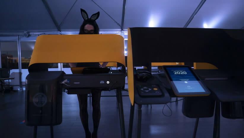 Rano glasanje u Kaliforniji na izborima za predsednika SAD Foto: AP Photo/Jae C. Hong/Betaphoto